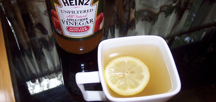 detox tea with Heinz Unfiltered Apple Cider Vinegar