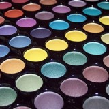 Tmart matte pearlescent eyeshadow palette closeup