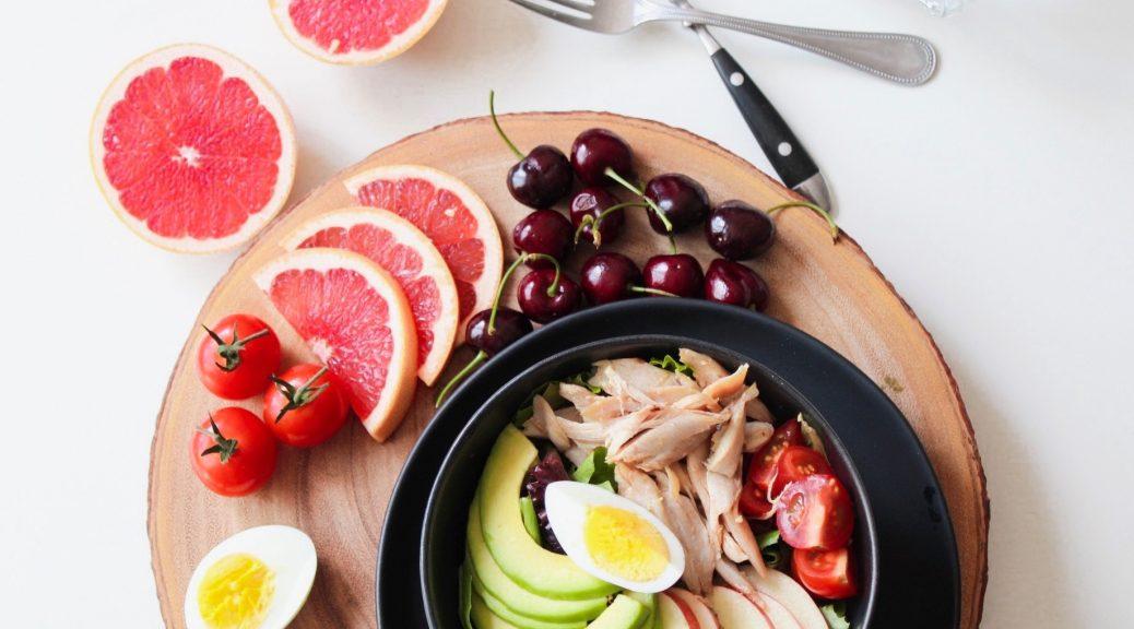 salad and fruits